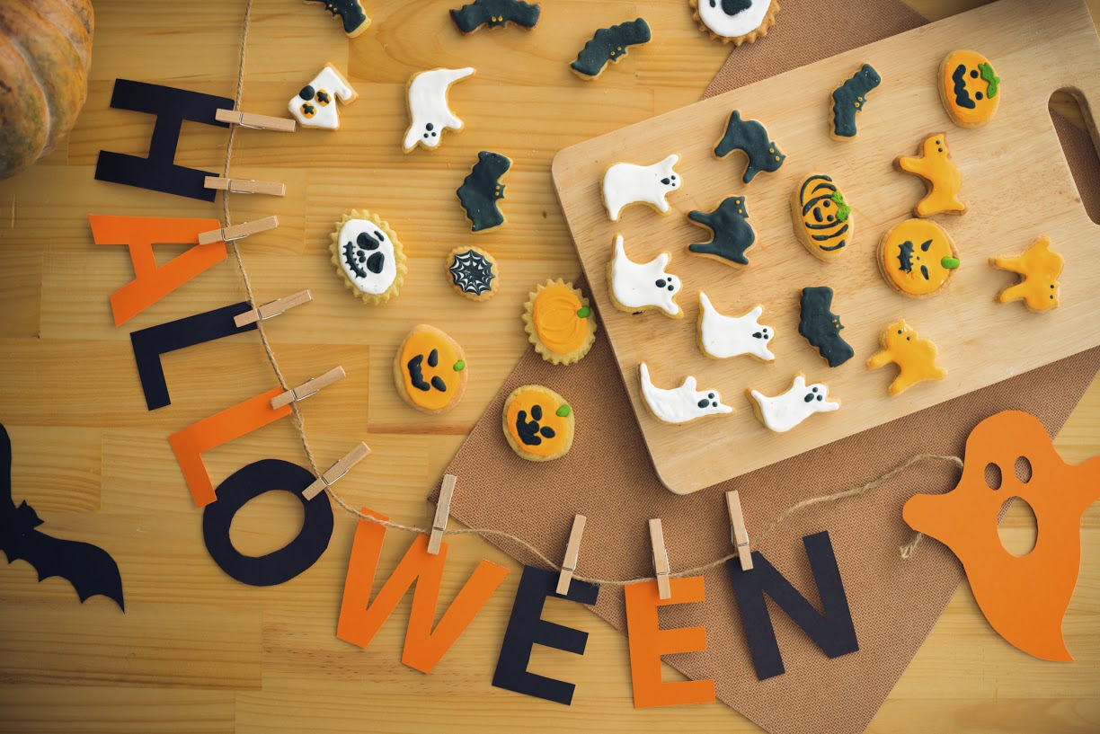 Cookies and decorations for Halloween, view from the top