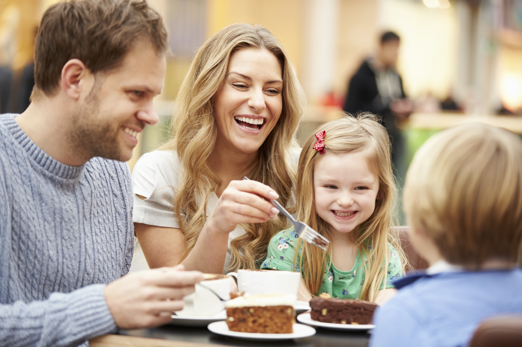 The Benefits Of Eating At A Restaurant With Family